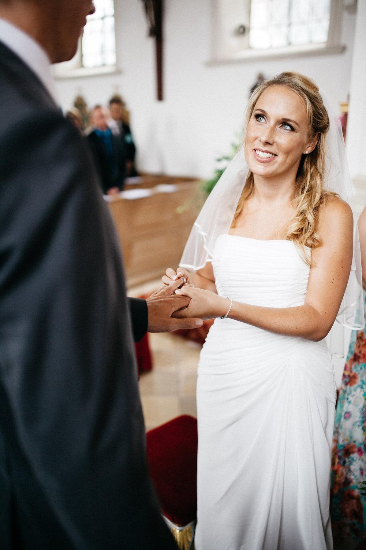 Hochzeitsfotograf-Muenchen-Hochzeit-am-Ammersee-Andrea-Koen00035.jpg