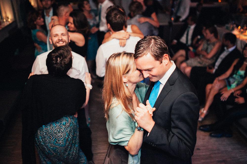 Hochzeitsfotograf-Muenchen-Hochzeit-am-Ammersee-Andrea-Koen00115.jpg