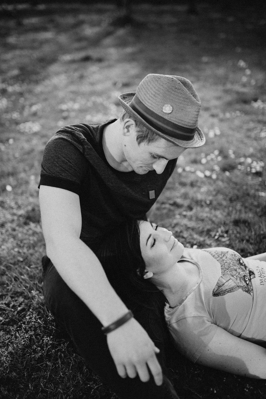 26. April 2014Paarshooting-Engagment-Verlobungsshooting-Hochzeitsfotograf-Daniel-Mueller-herr-mueller-Nicole-Johannes7010Monsieur Mueller.jpg
