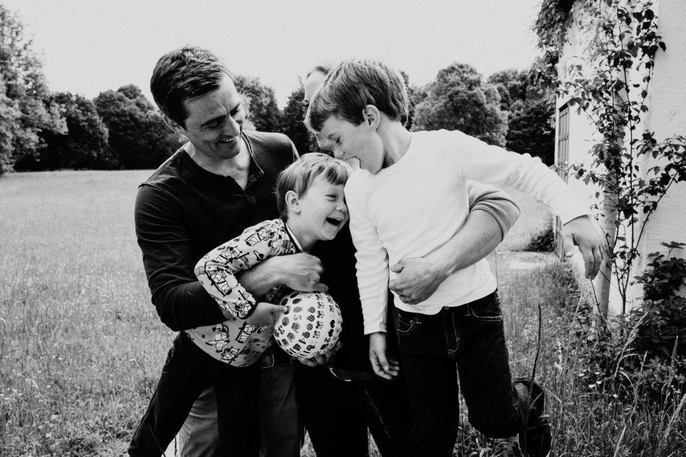 Familienzeit - echte, unvergessliche, besondere Familienfotos
