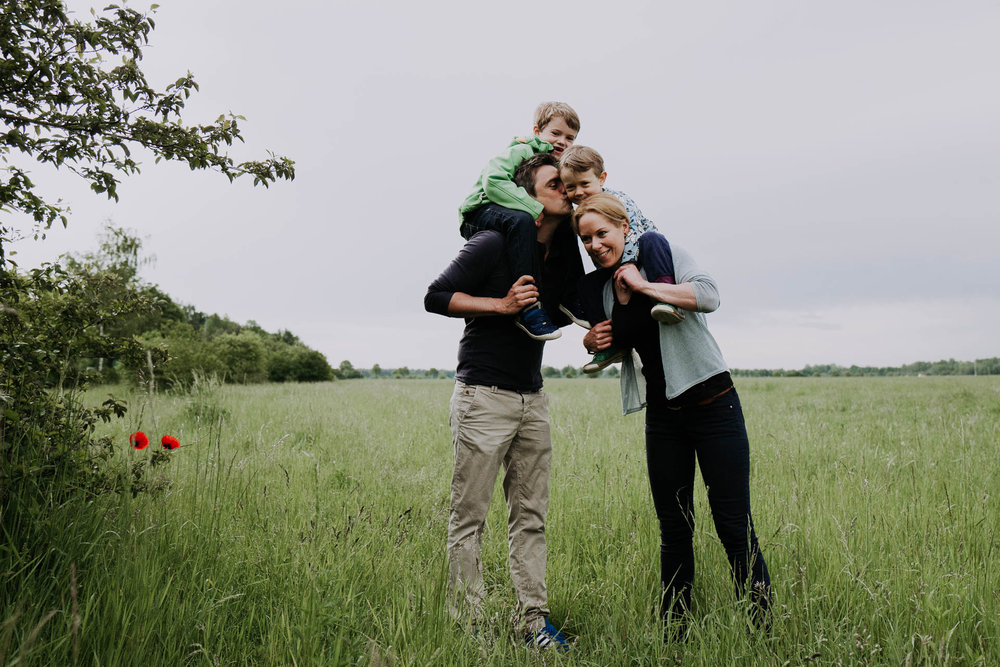 besondere-familienfotos-fotograf-muenchen--50.jpg