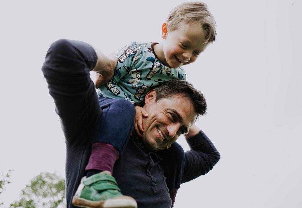 besondere-familienfotos-fotograf-muenchen--52.jpg