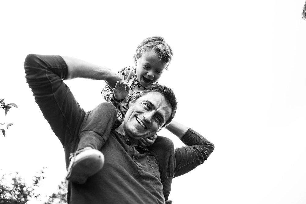 besondere-familienfotos-fotograf-muenchen--53.jpg