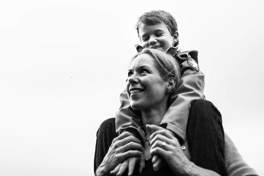 besondere-familienfotos-fotograf-muenchen--54.jpg