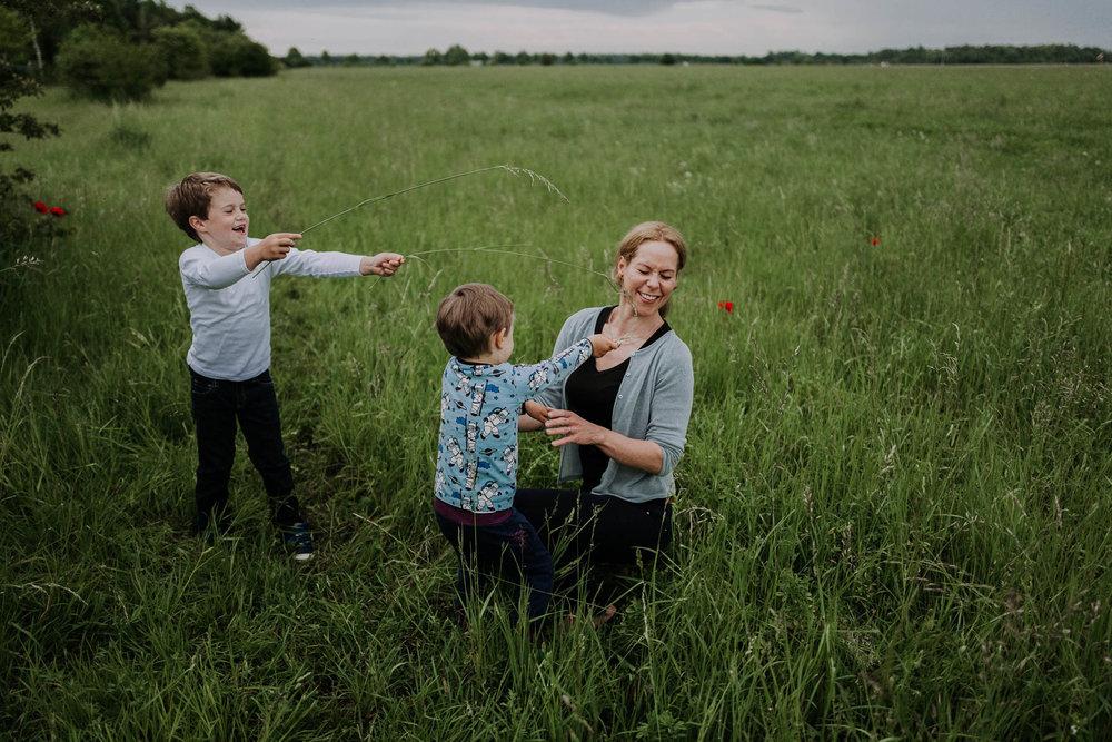 besondere-familienfotos-fotograf-muenchen--59.jpg