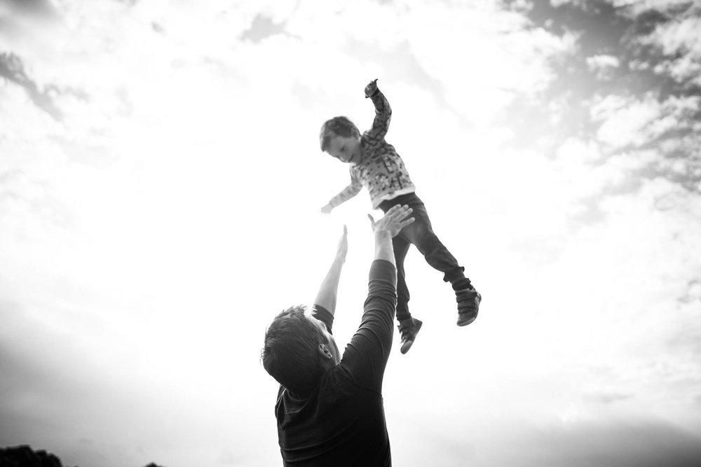 besondere-familienfotos-fotograf-muenchen--71.jpg