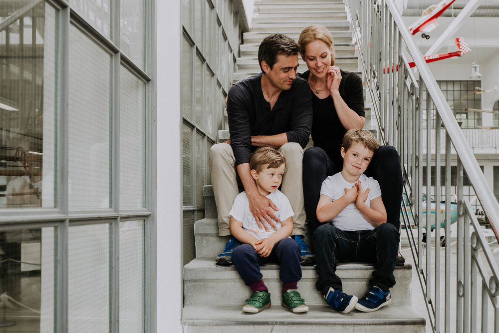 besondere-familienfotos-fotograf-muenchen--80.jpg