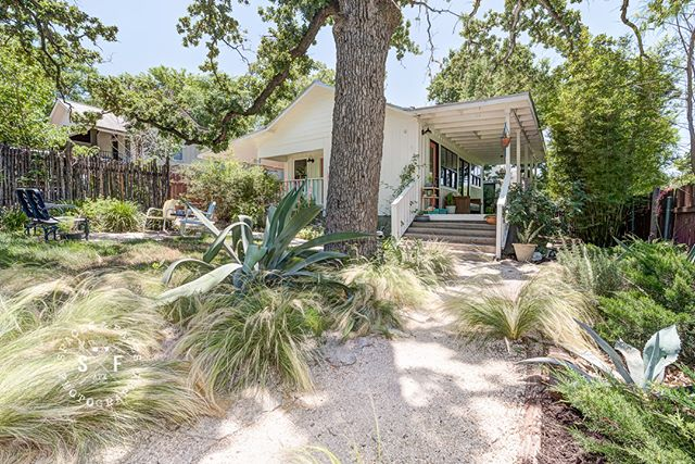 This updated 2bd1/ba home has so much character, off street parking, and a killer porch in East Austin! This beauty hits the market today with Jean Bruns @realtyaustin. #austinliving #eastaustinhome #austinrealestate #realtyaustinlisting #austinphotographer #driftwoodrealestatephotographer #driftwoodphotographer #spacesandfaces #spacesatx