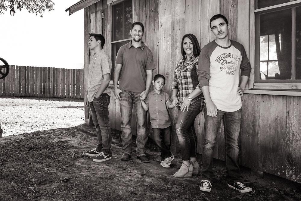 Family BW _4x6.jpg