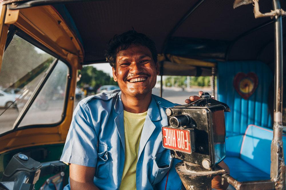 travel-photography-asia-india-portrait-rickshaw-driver.jpg