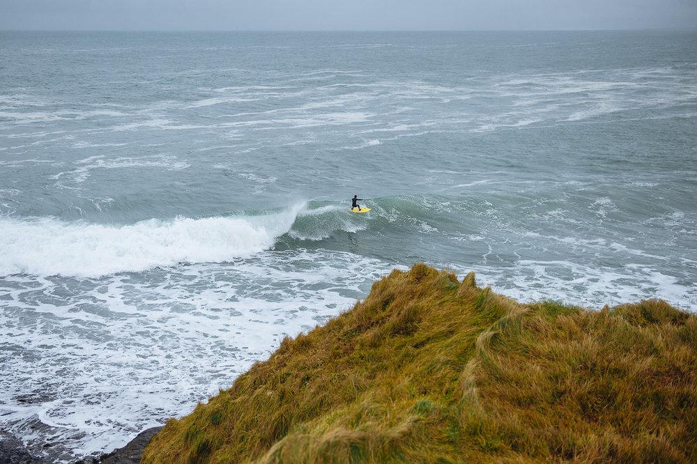 winter-surfing-ireland-sport-adventure-03.jpg