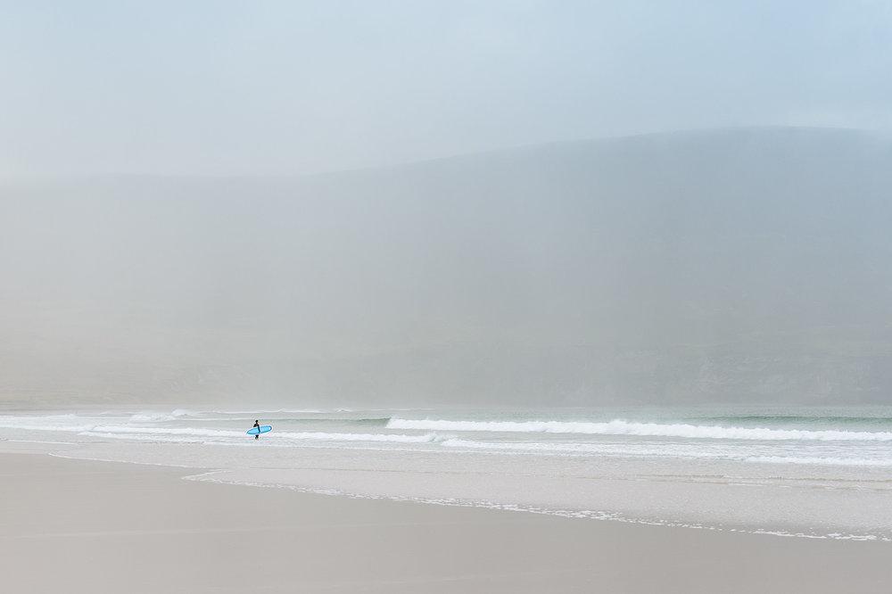winter-surfing-ireland-sport-adventure-08.jpg