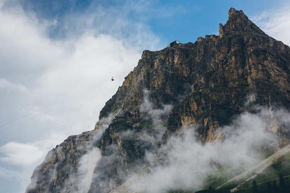 16-outdoor-adventure-mountains-italy-dolomites.jpg