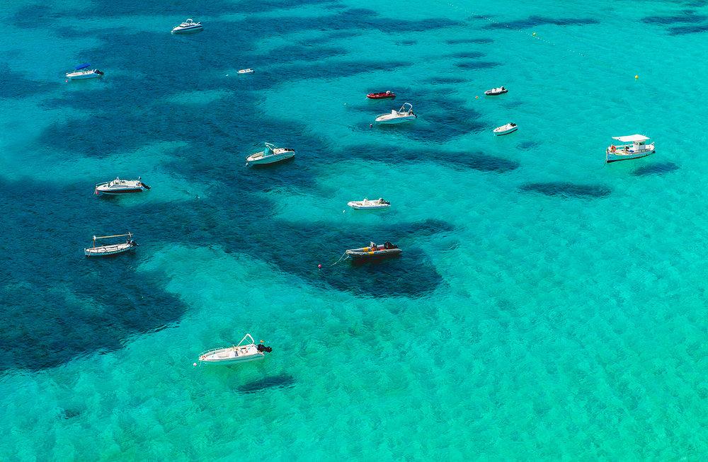 travel-photography-ibiza-blue-sea.jpg