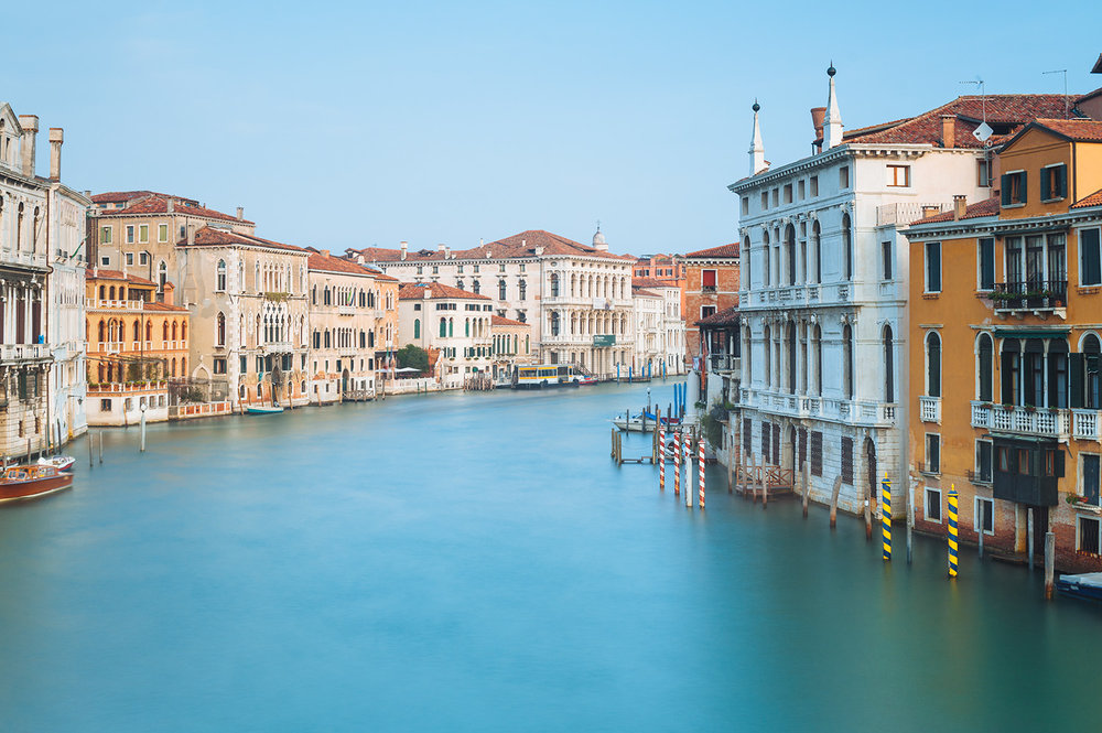 travel-photography-venice-canal-architecture.jpg