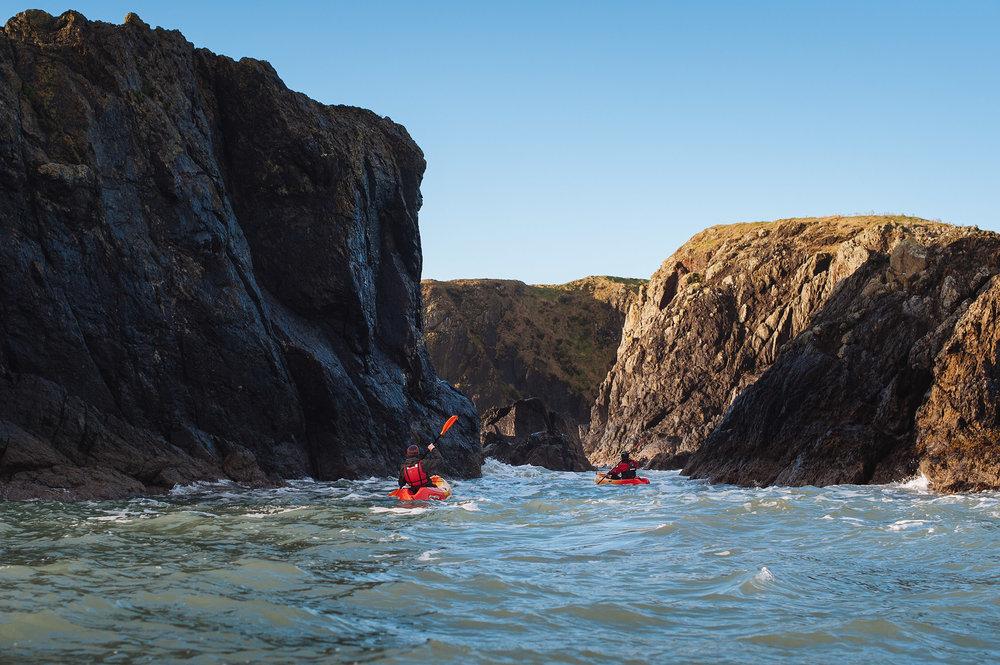 09-outdoor-seak-kayaking-kayak-adventure-ireland-hook-penninsula.jpg