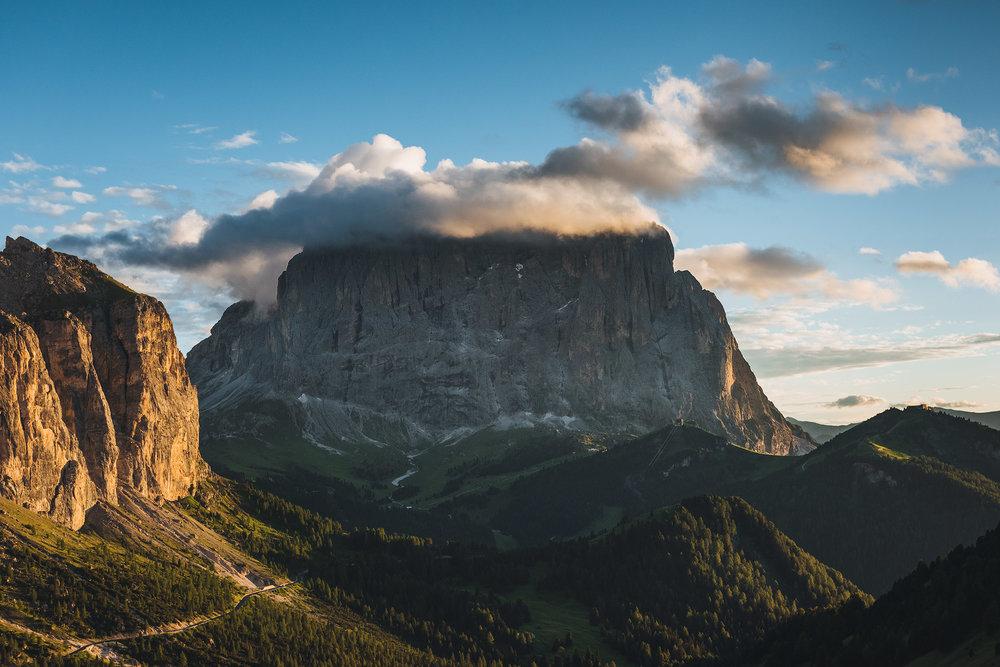 23-outdoor-adventure-mountains-italy-dolomites.jpg