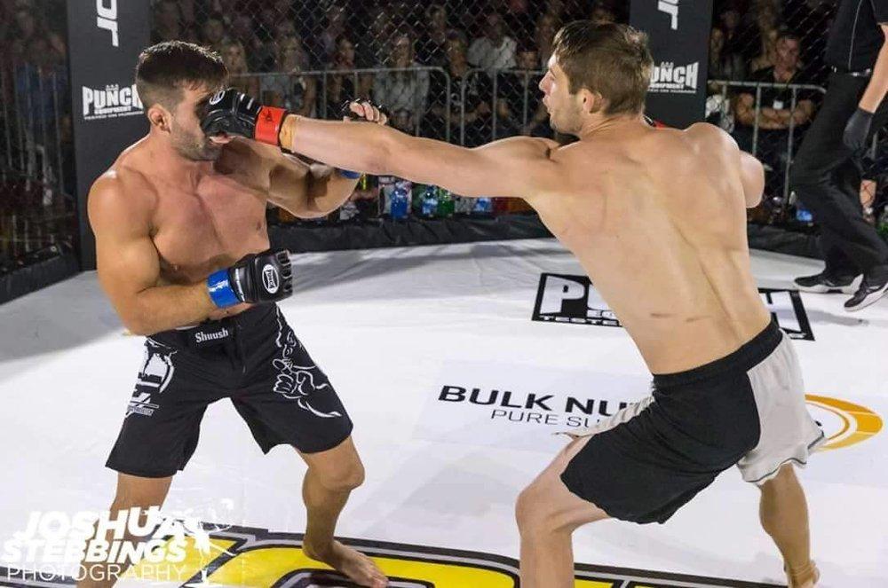 Pro sparring 2.jpg