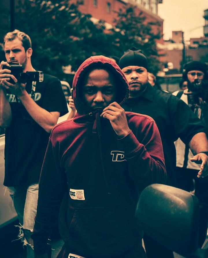 Kendrick Lamar - LOYALTY feat. Rihanna (visuals) - All I want is...