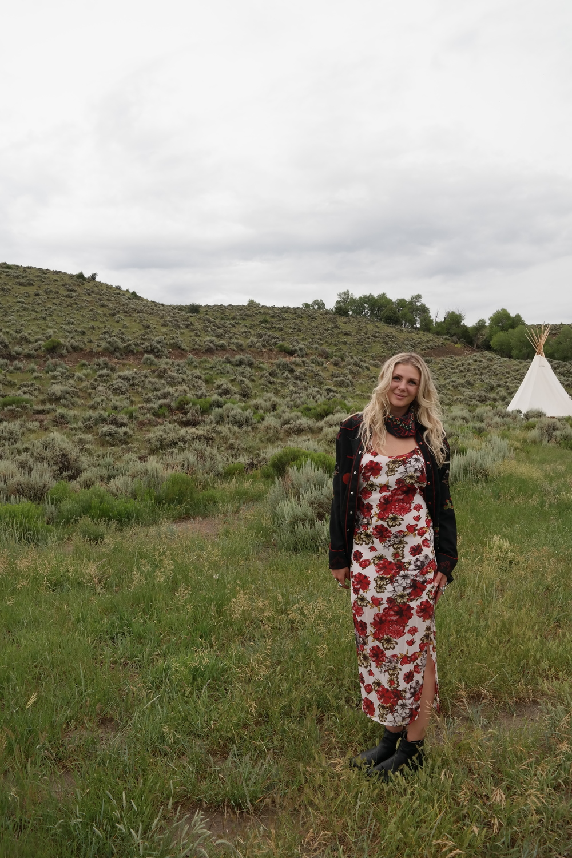 Saturday night Rocky Mountain Vibes: Winston White Dress : frye boots: vintage western shirt : Pendleton bandana