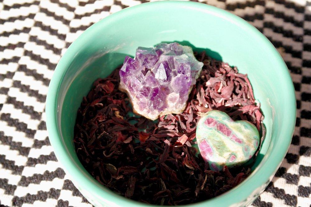 Infuse those tea leaves for bonus healing Crystal power!