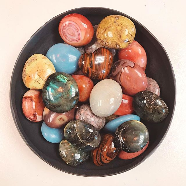Eye candy👁🍭Feast your eyes on this gorgeous mix of stones we have available in the shop right now ✨Each one a treasure and full of so many great properties 🙌🏽