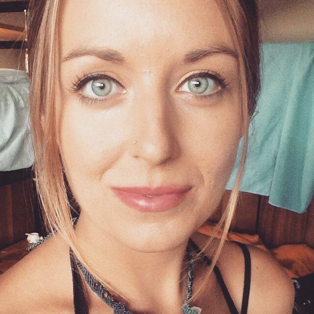 Abby Kneipp // Traveller, Wild Woman & Deep Ponderer