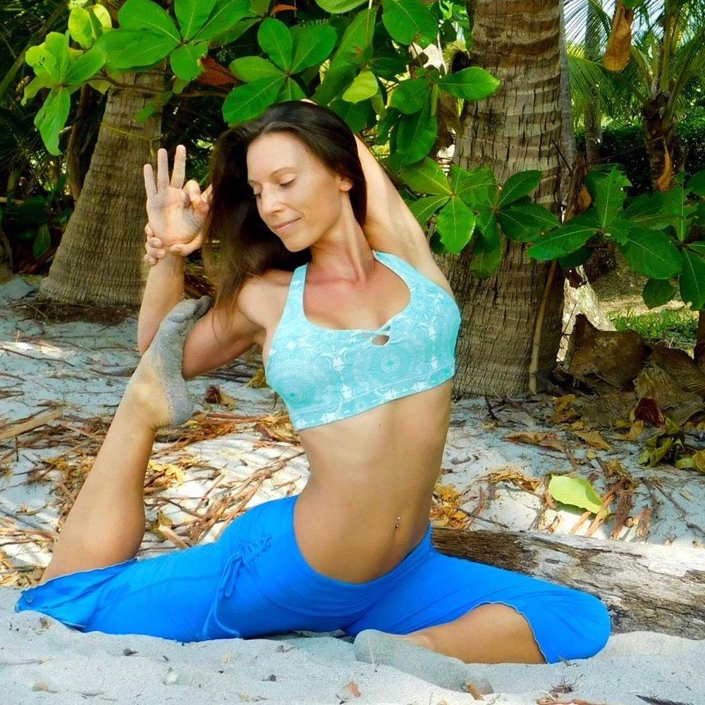 Amber Zuckswert // Founder of epicself.com,Yoga Instructor & Lifestyle Design Coach