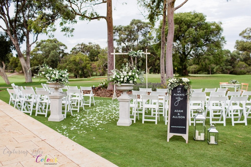 250Lake Karrinyup Candid Wedding Photographer Perth.jpg