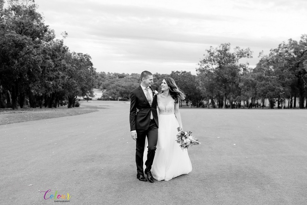 288Lake Karrinyup Candid Wedding Photographer Perth.jpg