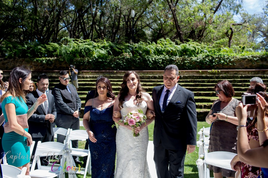 Wedding Photographer Perth Candid UWA Sunken Gardens032.jpg