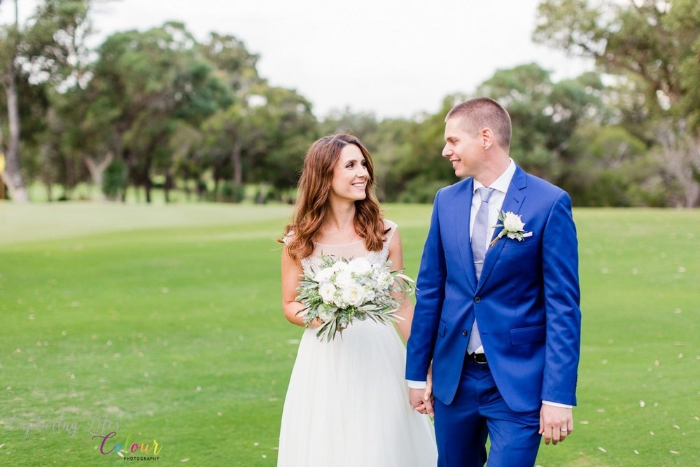 Lake Karrinyup Wedding Photographer Candid Relaxed love   028.jpg