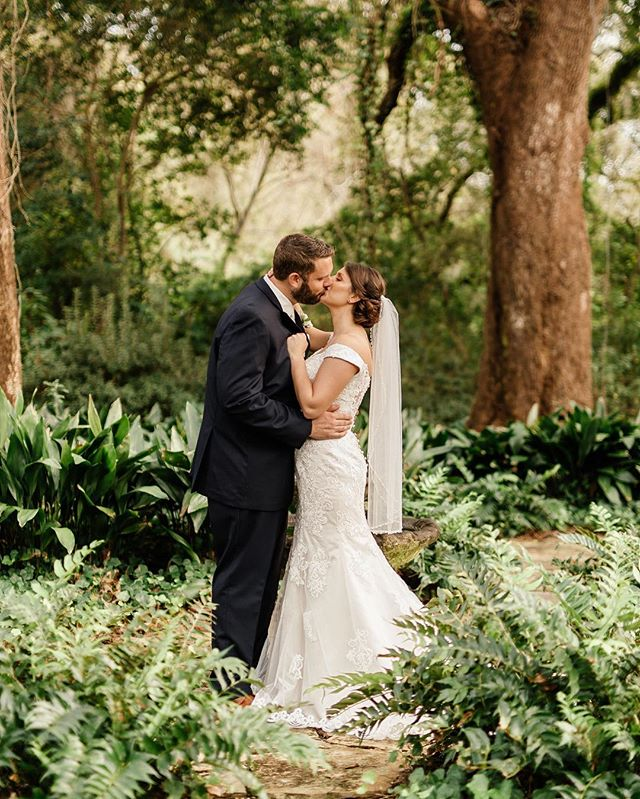 Finally making my way to ship this beautiful couple's package along with several others ❤️ . . . . #weddingphoto #weddingphotoideas #outdoorwedding #brideandgroom #weddingphoto #ido