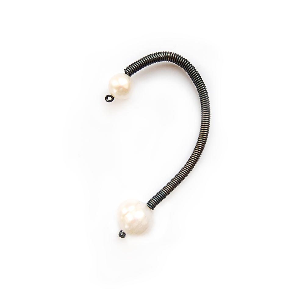 Single pearl ear cuff_anni jurgenson.jpg