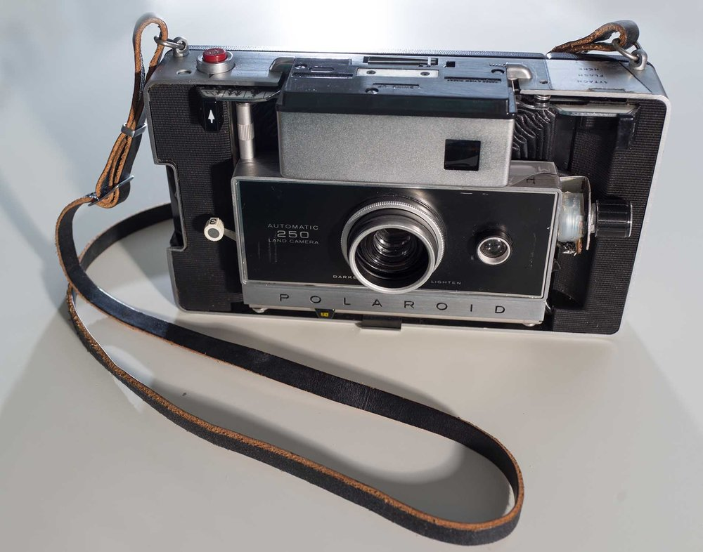 Polaroid250Open1.jpg