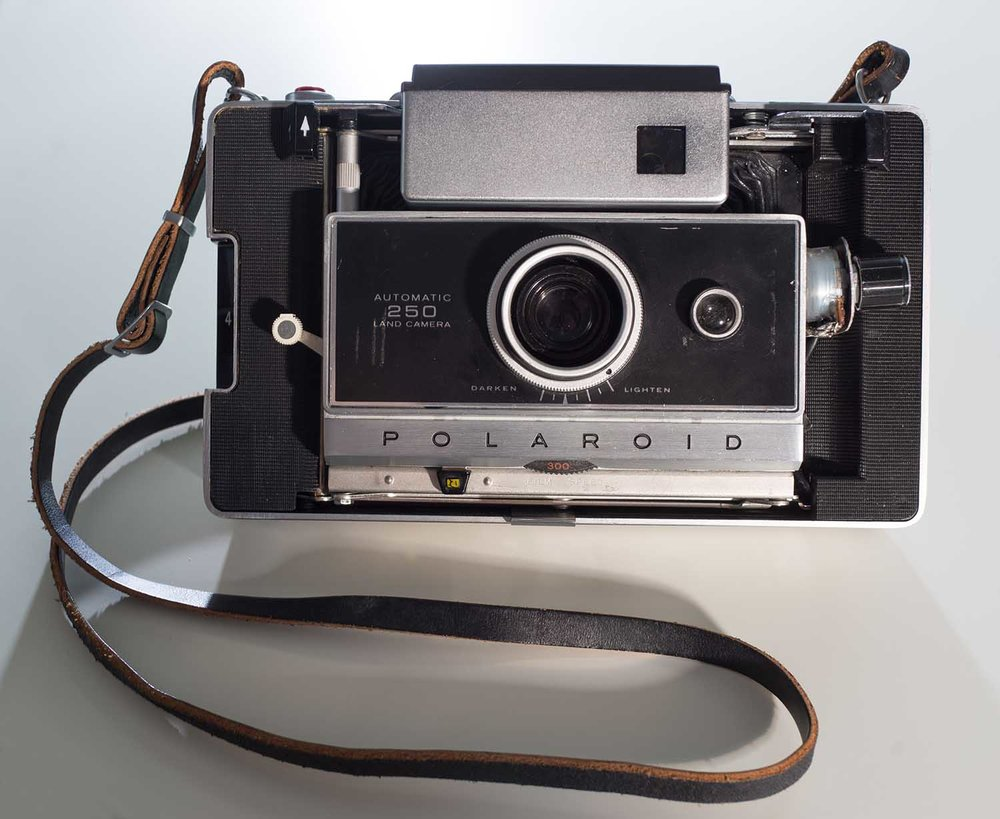 Polaroid250Open2.jpg