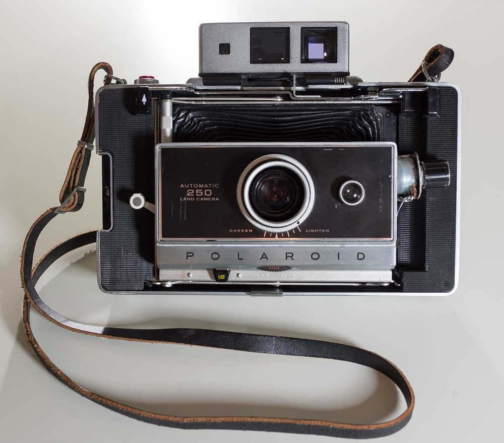 Polaroid250Open3.jpg