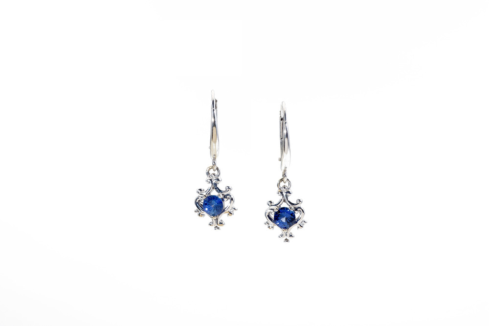 saphire earrings villa.jpg