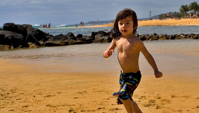hawaii poipu beach antoine running