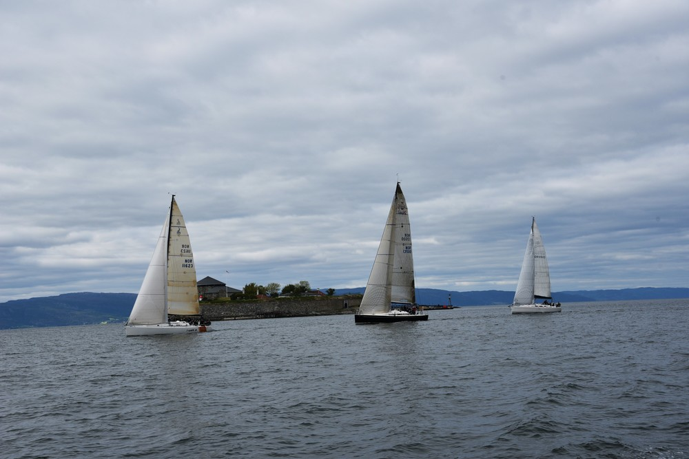 Regatta around the Monks Island.