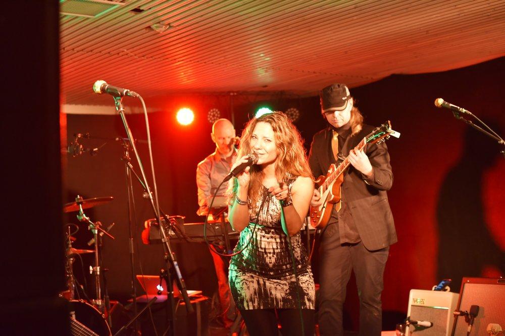 Chelsea Michelle Band - Skistua