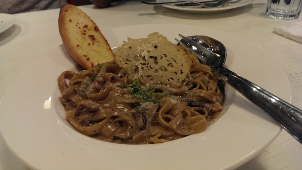Fettucini and Porcini Mushrooms @ Francesco's Pizzeria, Lower Parel