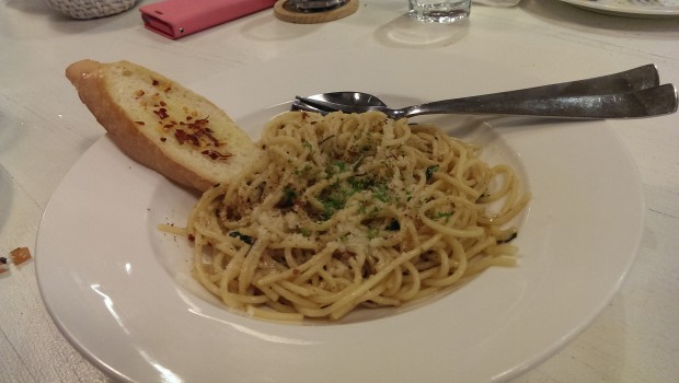 Spaghetti Algio Olio @ Francesco's Pizzeria, Lower Parel