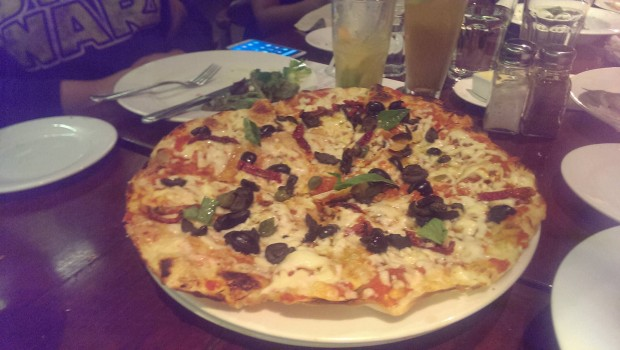 Sundried Tomatoes, Olives and Capers Pizza @ Indigo Deli, Bandra