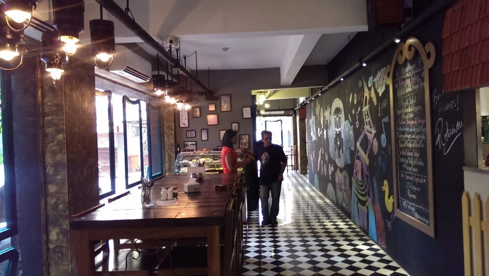 Restaurant Back with Mural @ Me So Happi, Bandra