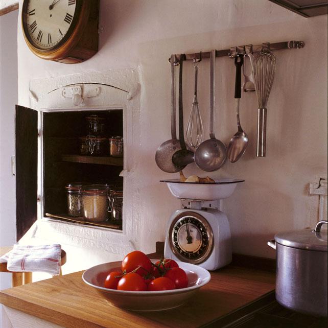 kitchen3tomatos.jpg
