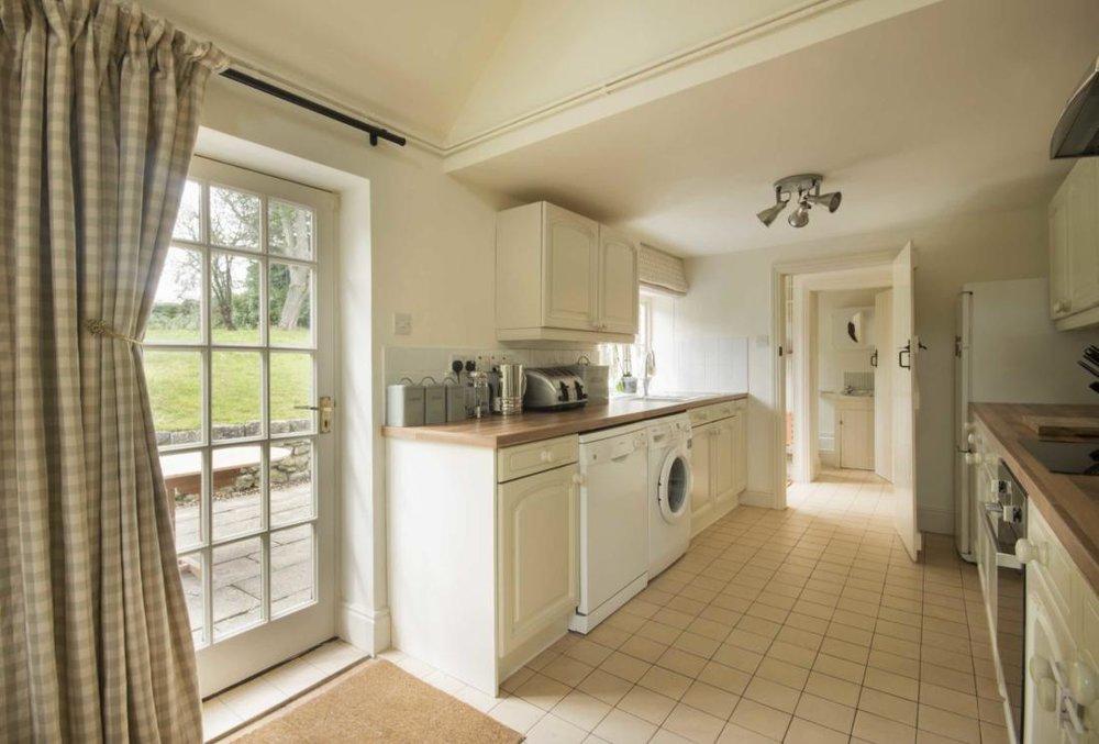 SV-kitchen-2-low-res.jpg