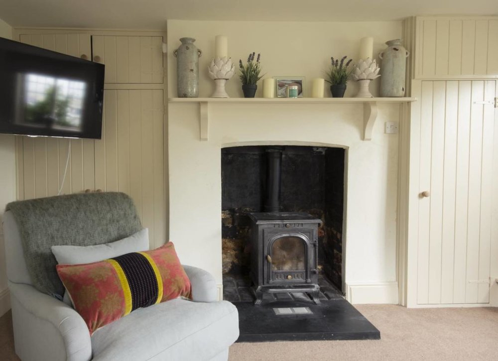 SV-sitting-room-fire-low-res.jpg