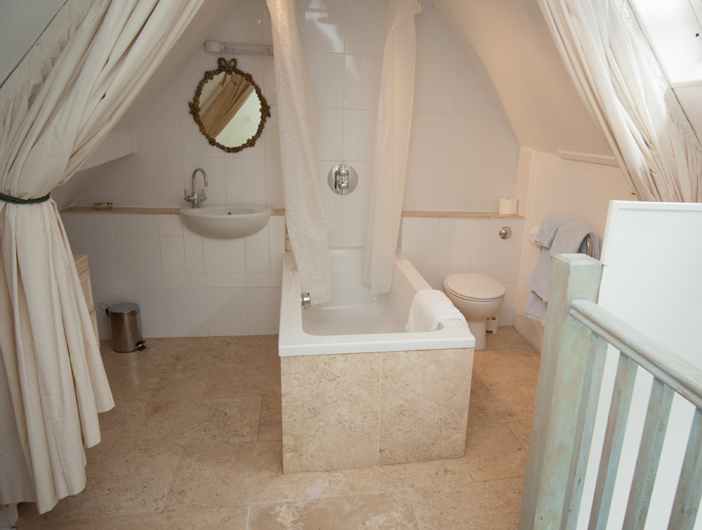 Dovecote Bathroom.jpg