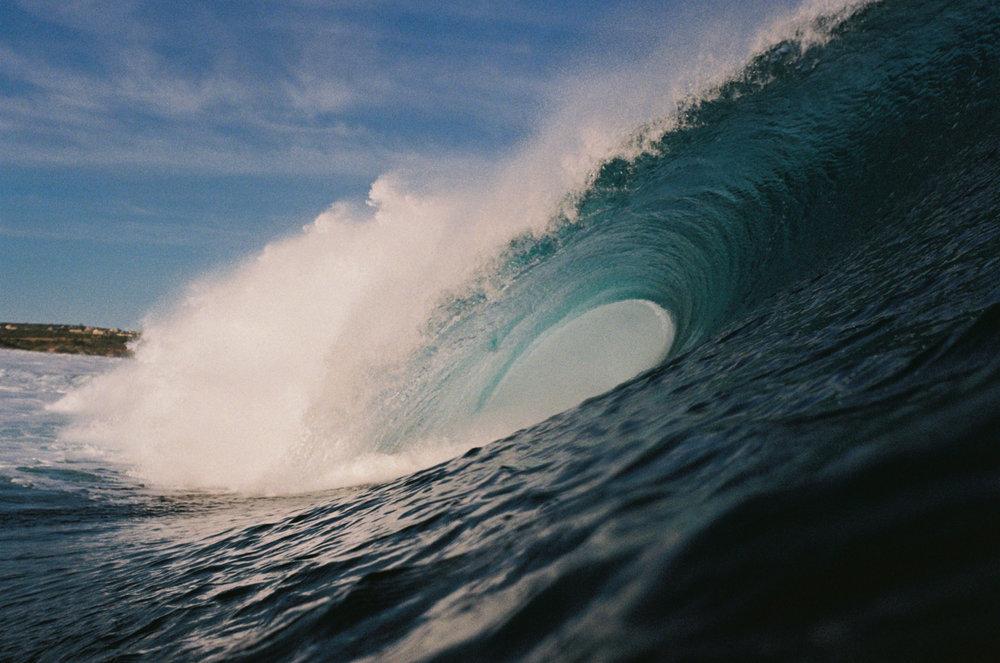 Salt Water Australia surf LG wave 5